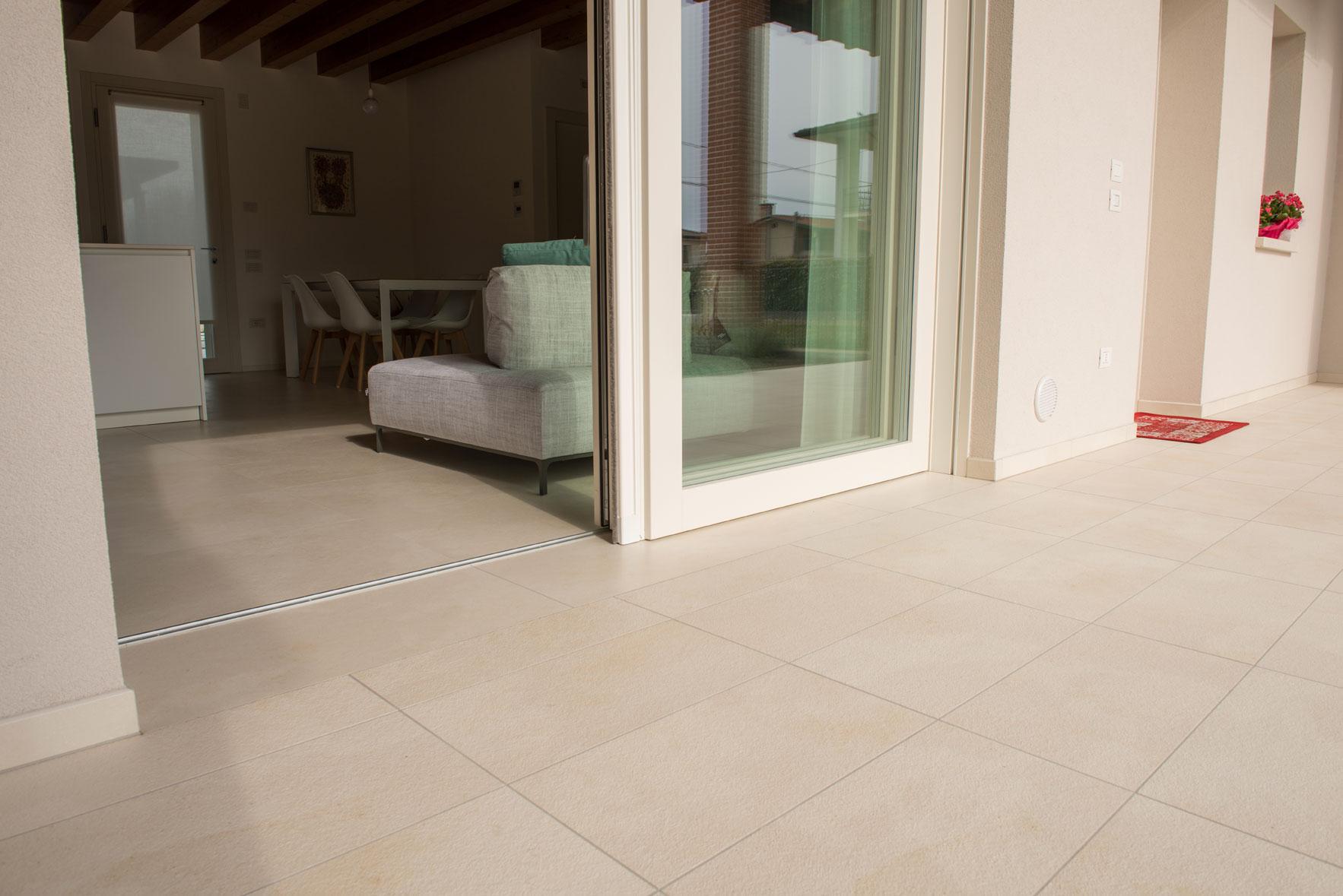 Realizzazione casa a castello di godego silvestri pavimenti - Incollare piastrelle su pavimento esistente ...