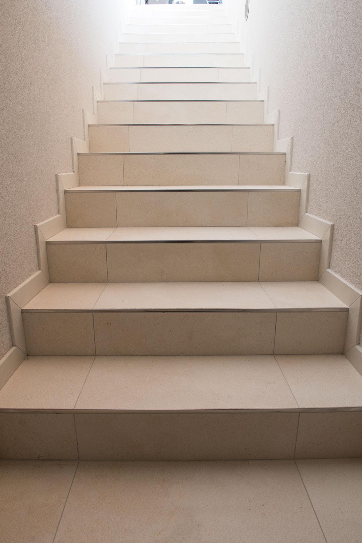 Rivestimenti Scale Interne Gres Porcellanato rivestimento-scala-gres-porcellanato-piastrelle-3