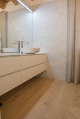 realizzazione-pavimento-bagno-lavanderia-godego-silvestri-pavimenti-arredobagno-cassola-vicenza-mobile1