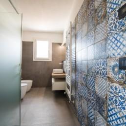 gres-effetto-legno-cementine-arredo-bagno-Cassola-silvestri-pavimenti-rivestimenti_9466