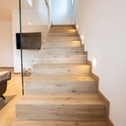 scale-gres-porcellanato-lavorazione-gradino-scatolato-pavimenti-rivestimenti-arredo-bagno-casa-nuova-mussolente-silvestri-cassola-vicenza_9399