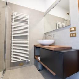 http://www.silvestripavimenti.it/wp-content/uploads/2017/10/ristrutturazione-bagno-bonus-110-pavimenti-rivestimenti-arredobagno-sanitari-doccia-rubinetti-mobile-romano-ezzelino-cassola-silvestri_4815.jpg