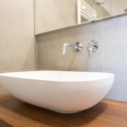http://www.silvestripavimenti.it/wp-content/uploads/2017/10/ristrutturazione-bagno-bonus-110-pavimenti-rivestimenti-arredobagno-sanitari-doccia-rubinetti-mobile-romano-ezzelino-cassola-silvestri_4822.jpg