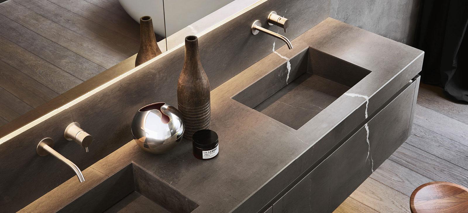 Mobili per bagno moderni e classici a cassola vi silvestri arredo bagno for Rivestimenti bagno classici