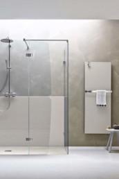 Separet Elite di Arblu. Box doccia in alluminio e vetro con porte a battente in vetro temperato e alluminio.