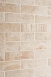 silvestri-pavimenti-rivestimenti-cucina-gres-porcellanato-effetto-cotto-emilgroup-kotto-calce-1