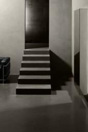 silvestri-pavimenti-rivestimenti-resina-kerakoll-design-house-wallcrete-grigia-scale