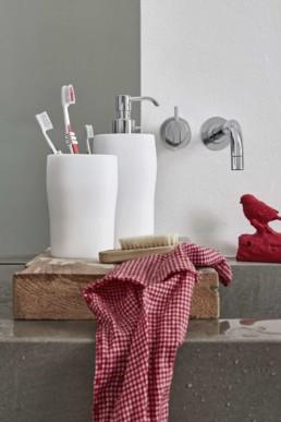 san-valentino-regali-geelli-grace-accessori-dispenser-portaspazzolino-portascopino-silvestri-arredobagno-bassano-cassola