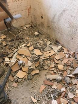 ristrutturazione-pavimento-arredo-bagno-romano-ezzelino-silvestri-pavimenti-arredobagno-cassola-vicenza-10