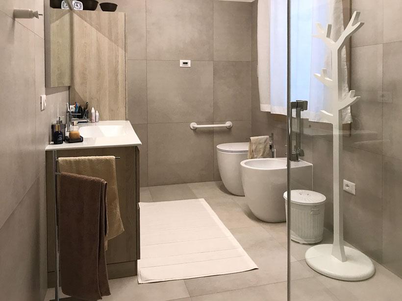 Rinnovare Bagno. Bagno Moderno Bianco Nero With Rinnovare Bagno ...