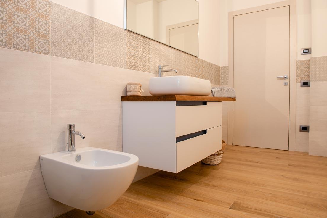 A casa di giorgia e filippo fornitura e posa di pavimenti rivestimenti e arredo bagno - Piastrelle bagno naxos ...