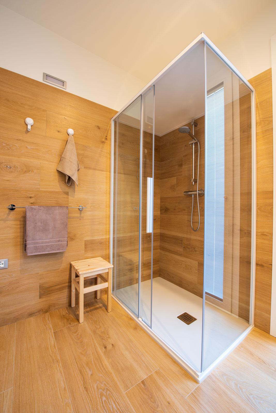Rivestimento Casa In Legno pavimenti-rivestimenti-gres-legno-arredo-bagno-box-doccia