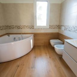 pavimenti-rivestimenti-gres-legno-arredo-bagno-vasca-idromassaggio-casa-cassola-silvestri