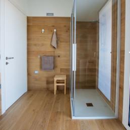 pavimenti-rivestimenti-gres-legno-miele-arredo-bagno-box-doccia-casa-cassola-silvestri
