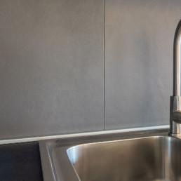 rivestimenti-cucina-gres-grigio-arredo-casa-cassola-silvestri