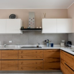 rivestimento-cucina-color-now-tortora-pavimento-mystone-ardesia-bianco-marazzi-silvestri-san-zenone-3