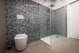 piastrelle-bagno-mosaico-tangram-avio-color-now-doccia-arredobagno-silvestri-rivestimenti