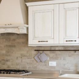 rivestimento-cucina-pietra-mottinello-arredobagno-pavimenti-rivestimenti-silvestri_4764